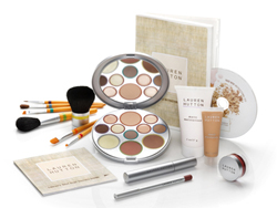 Lauren Hutton Makeup Face Disc